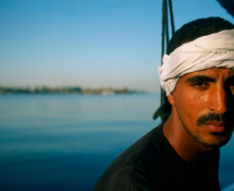 Jabalowe on a Felluca, Luxor, par Nan Goldin